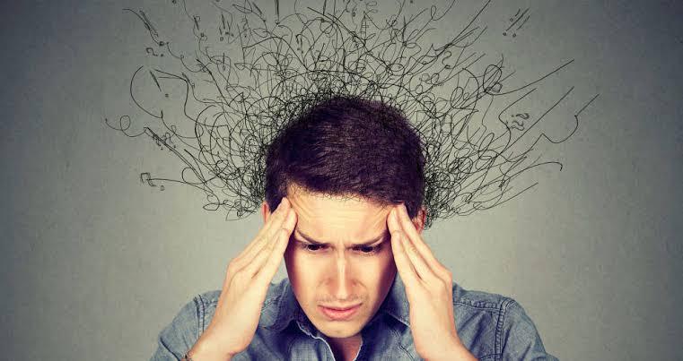 Hombre con estrés