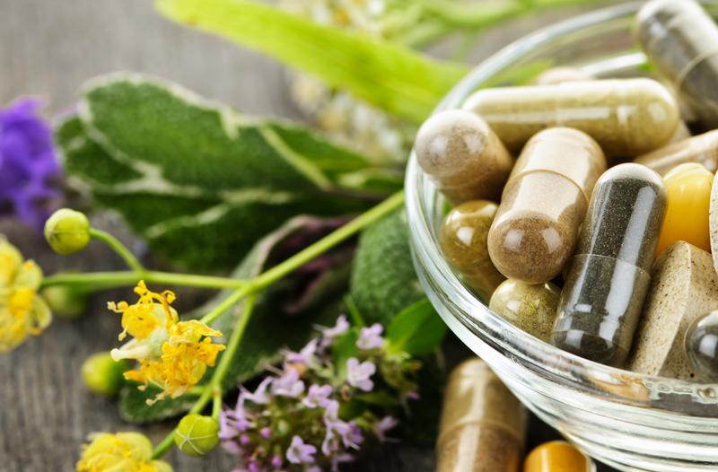 Pastillas y flores medicinales
