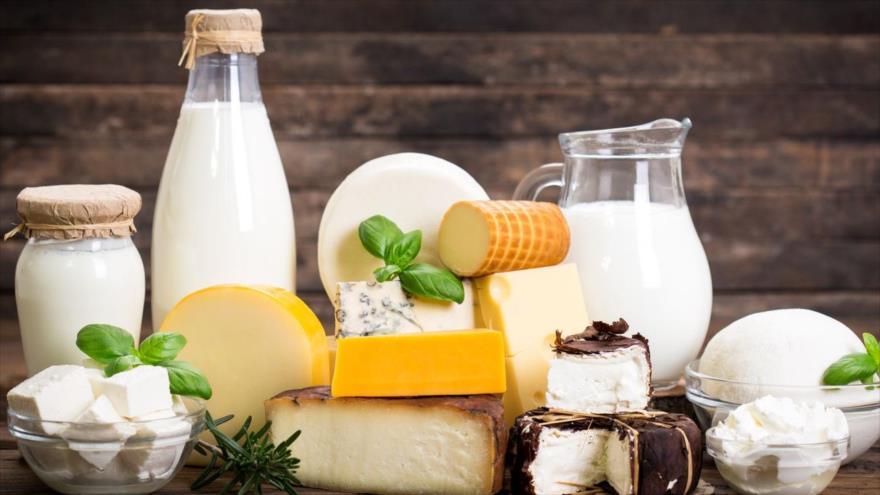 Productos lácteos en una mesa