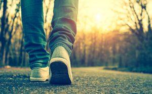 porque es bueno caminar solo