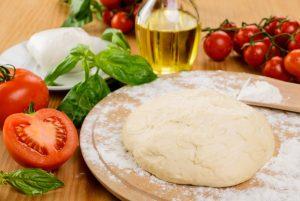varios ingredientes para la pizza